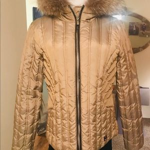 Elegant Michael Kors puffer gold jacket hooded